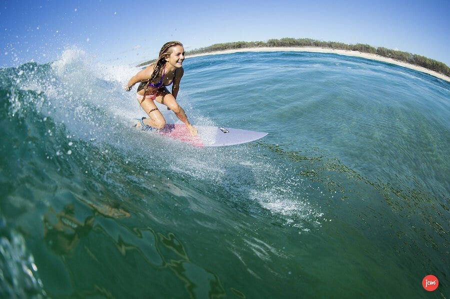 happy-surfer-girl
