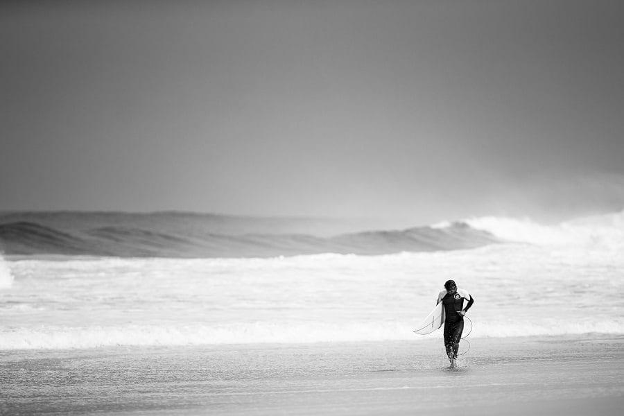 modest surfer