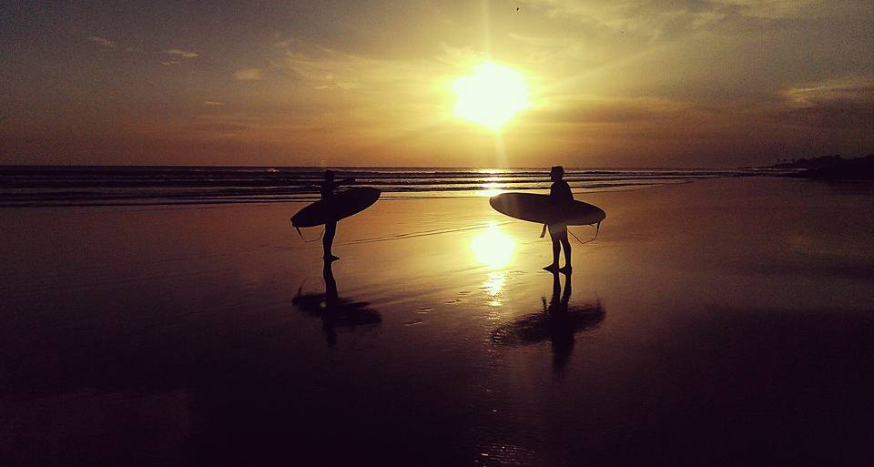 traveling lifestyle surfing in morocco